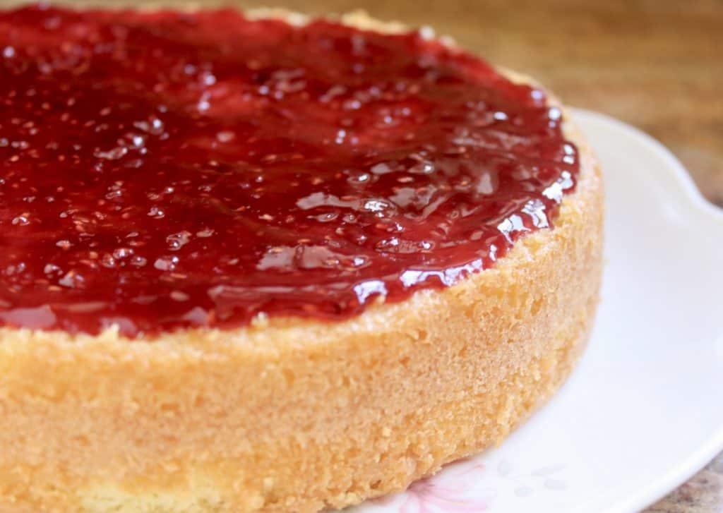 jam on cake