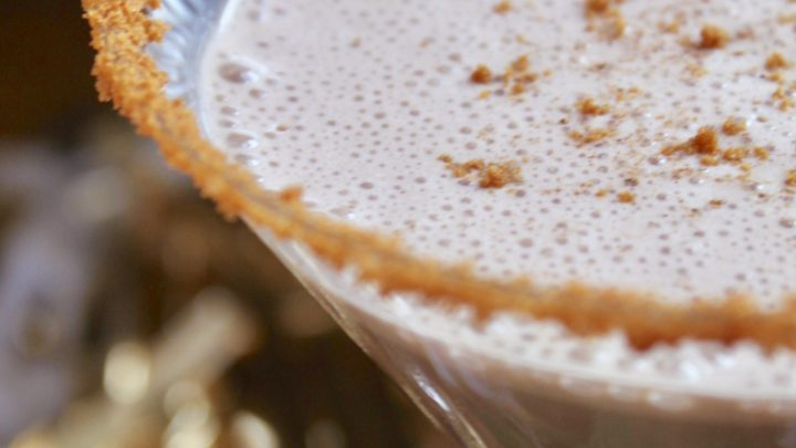 Easy Eggnog Martini Recipe (Vanilla or Chocolate)