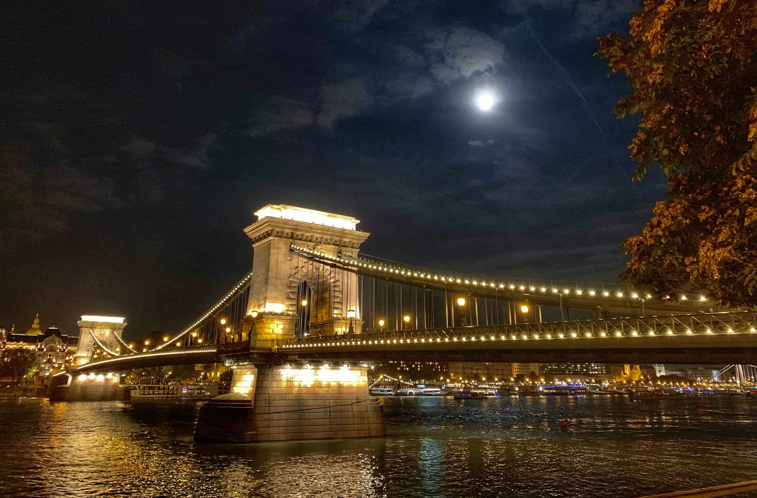 Chain Bridge, Budapest best Danube river cruise