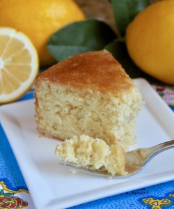 Sicilian whole lemon cake