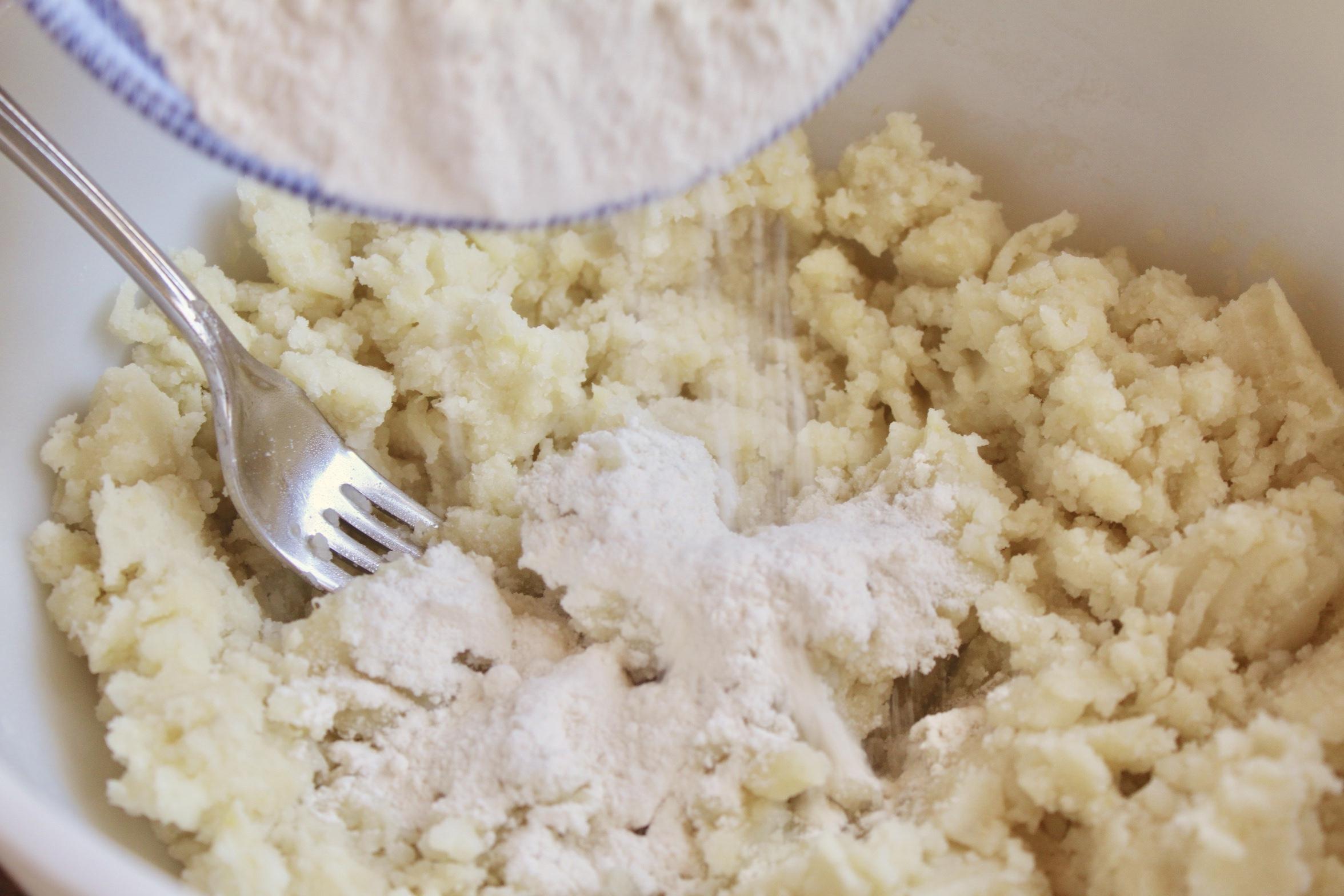 making potato farls