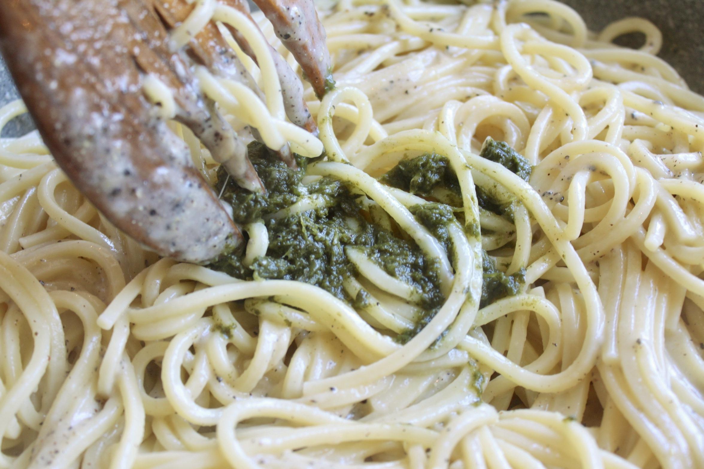 adding dandelion to cacio e pepe pasta