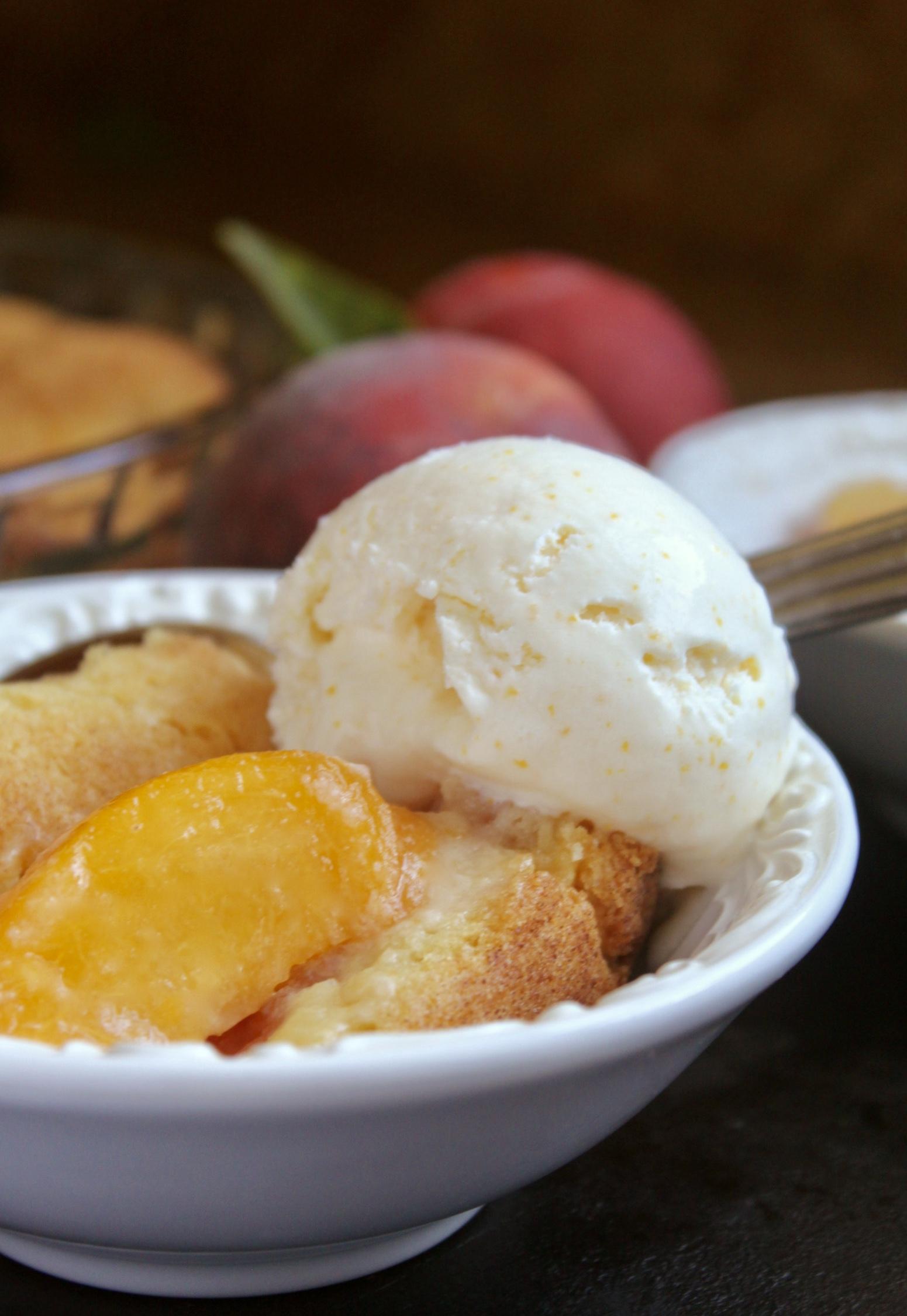 Peach cobbler with lemon ice cream