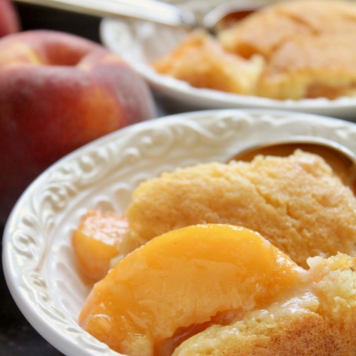 peach cobbler in bowls