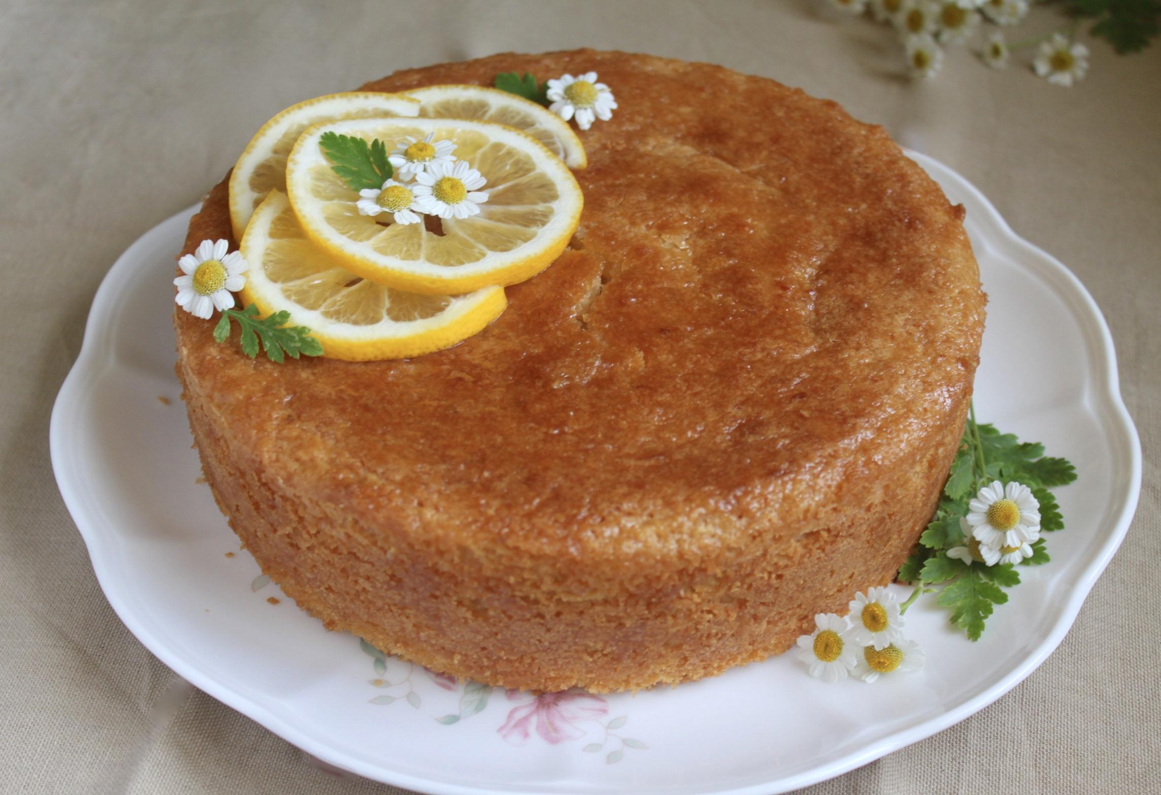 gluten free lemon cake decorated