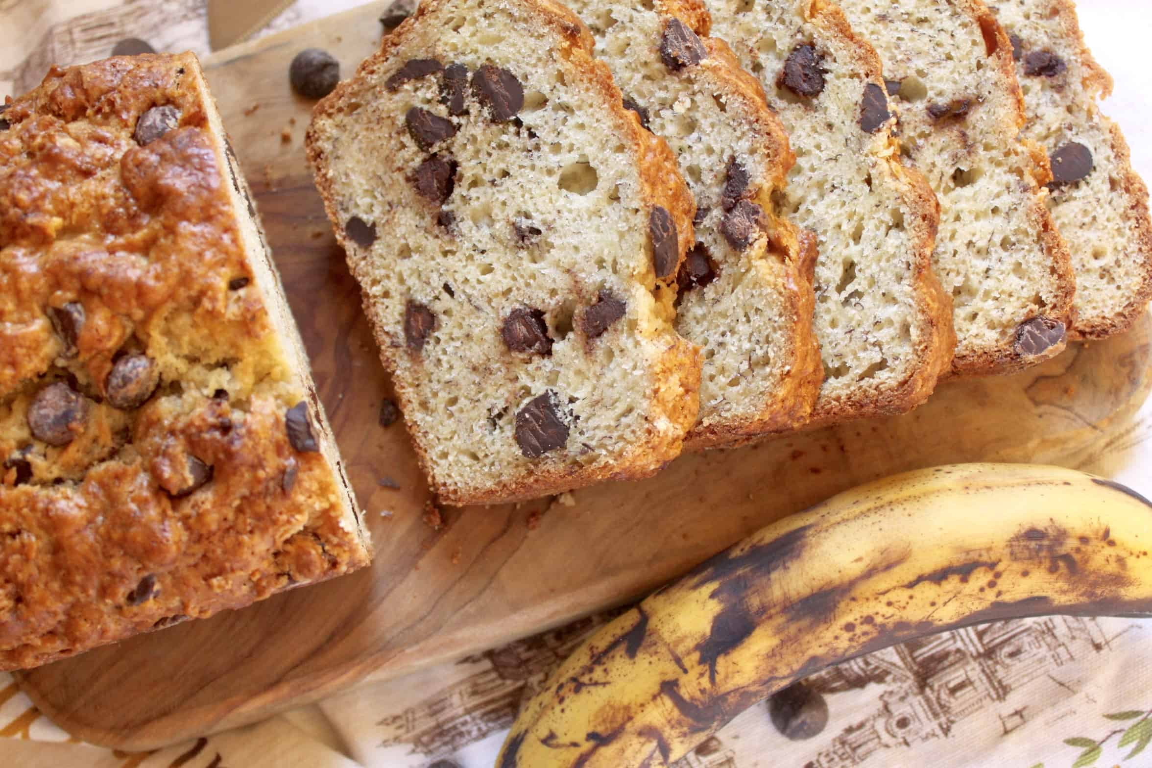 overhead chocolate chip banana bread slices