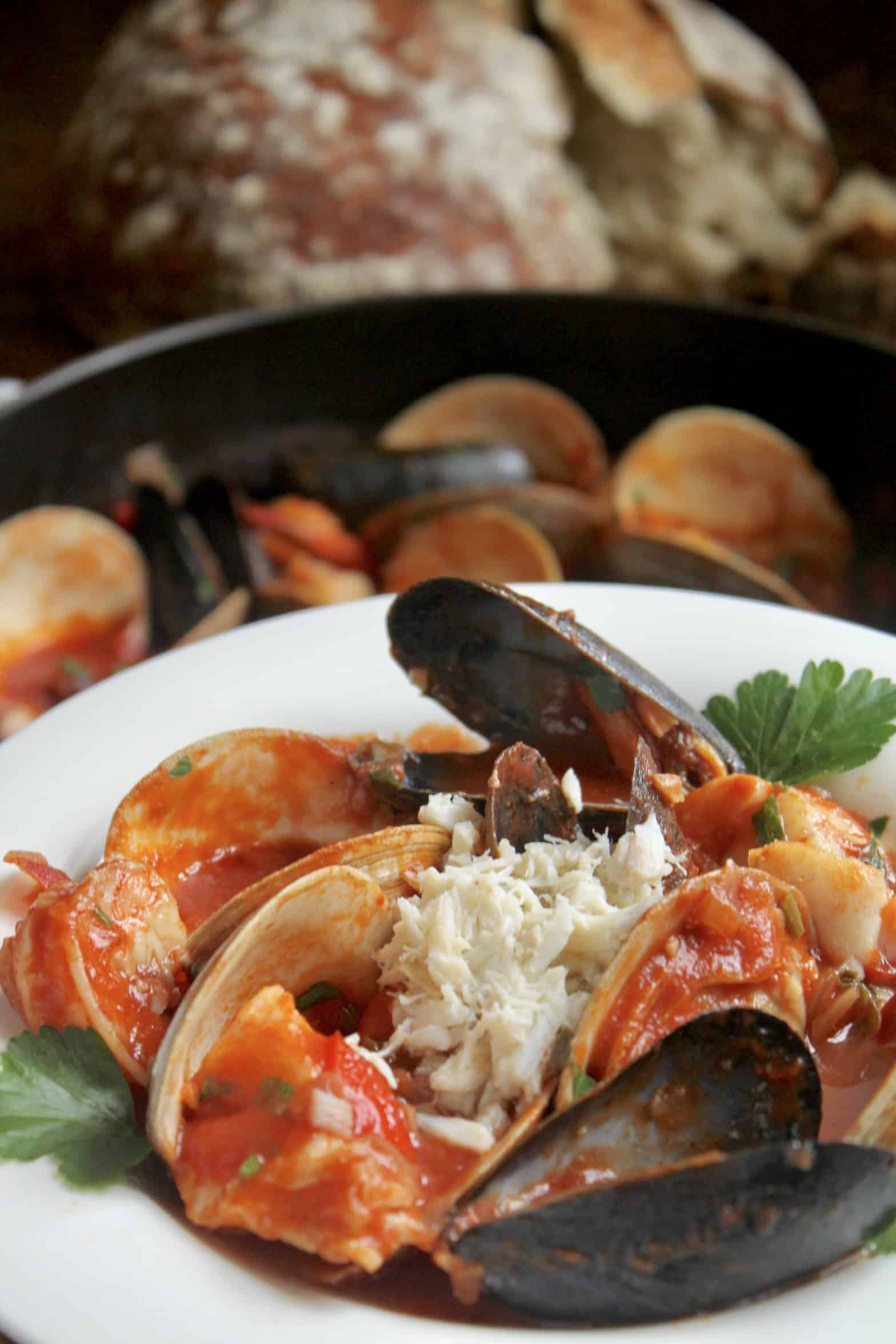 cioppino with bread