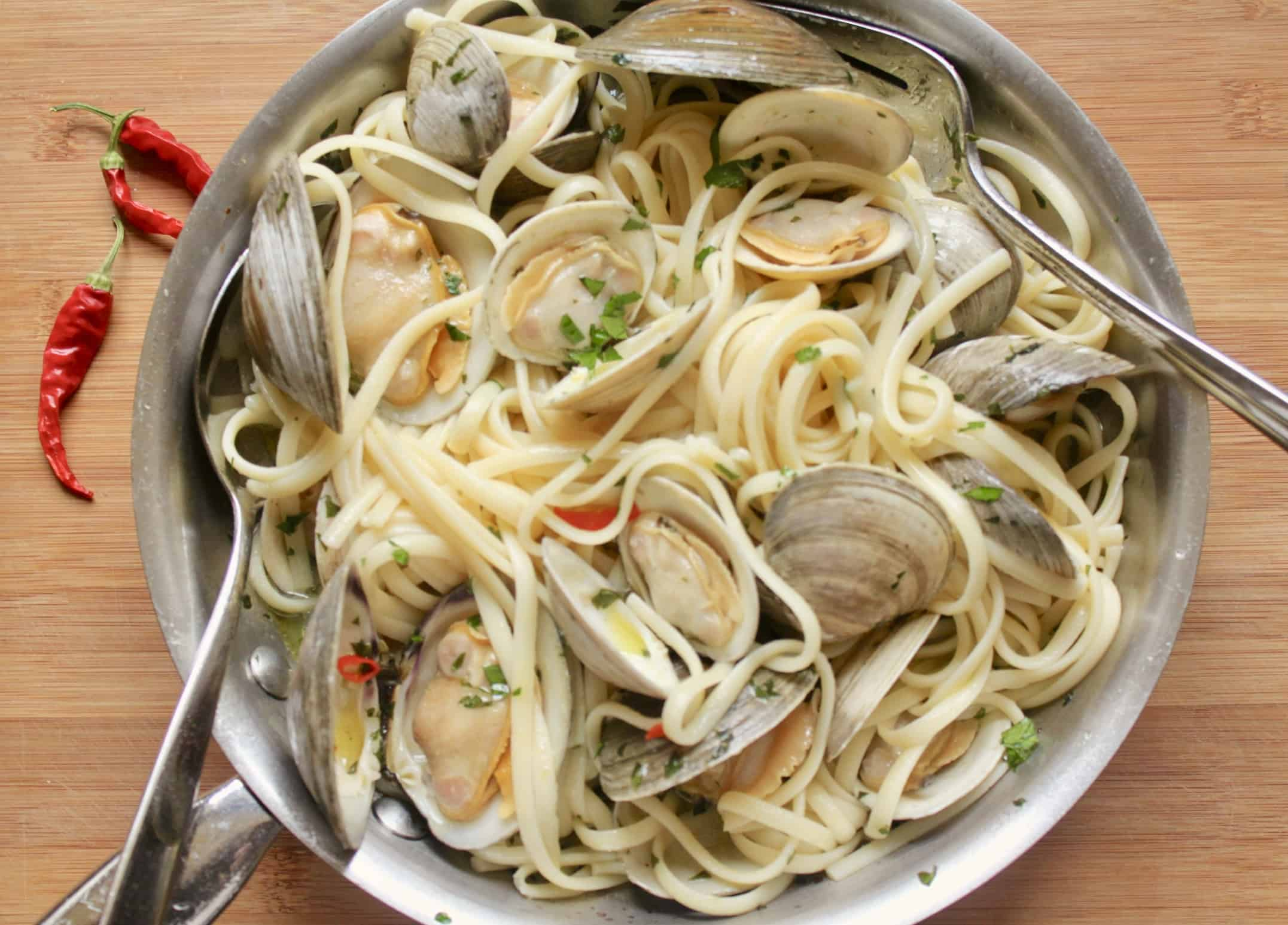pan of linguine and clams