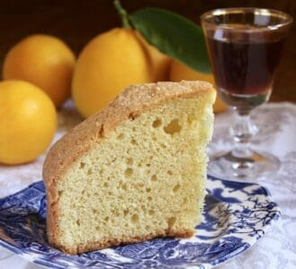Madeira cake and wine