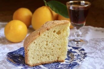 Madeira cake and wine