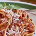 Spaghetti Sauce (Easy Italian Recipe with 6 Ingredients)