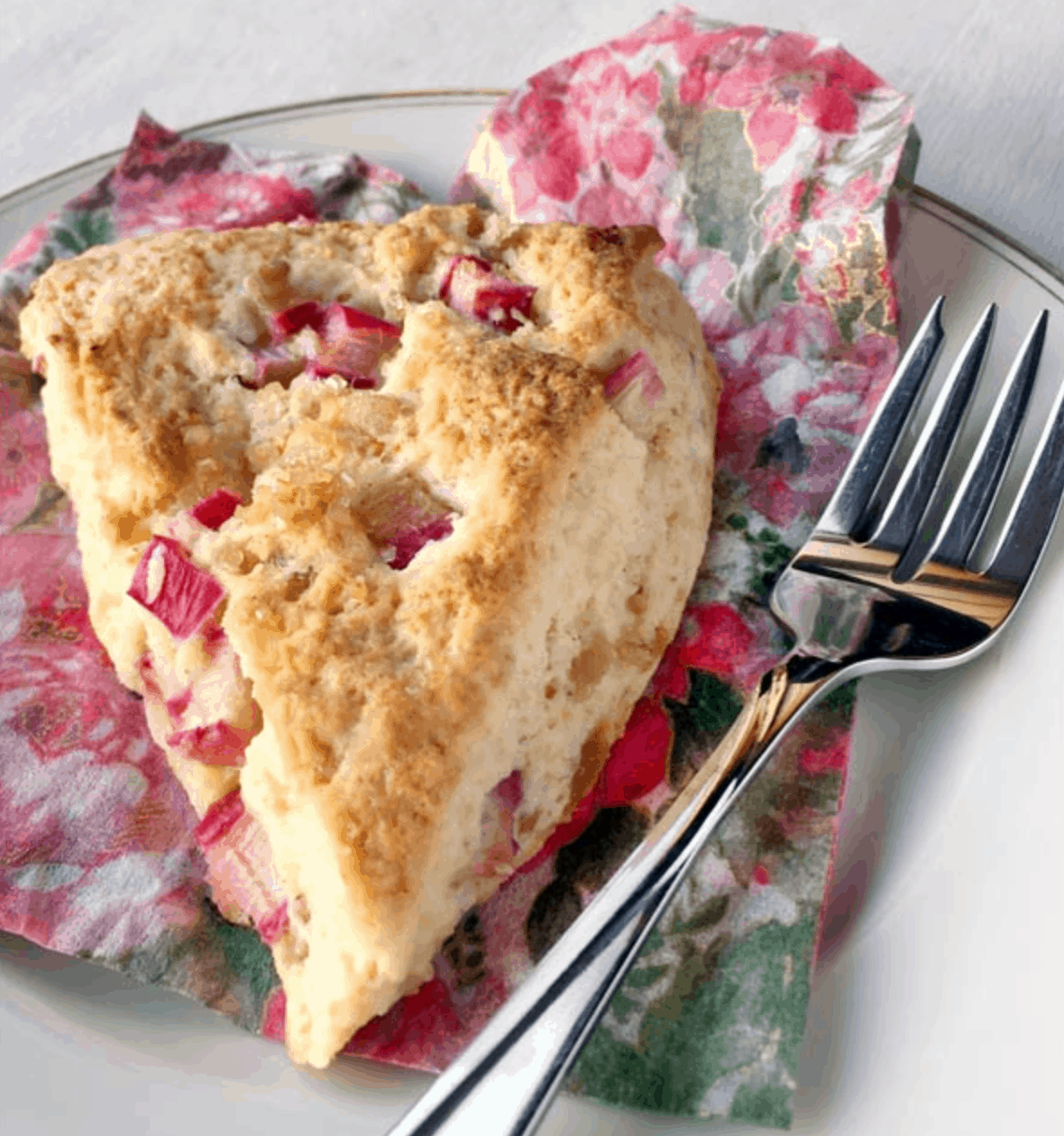 rhubarb and ginger scones