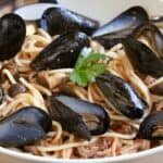 Mussel Pasta (Italian recipe with Olives and Tomatoes)