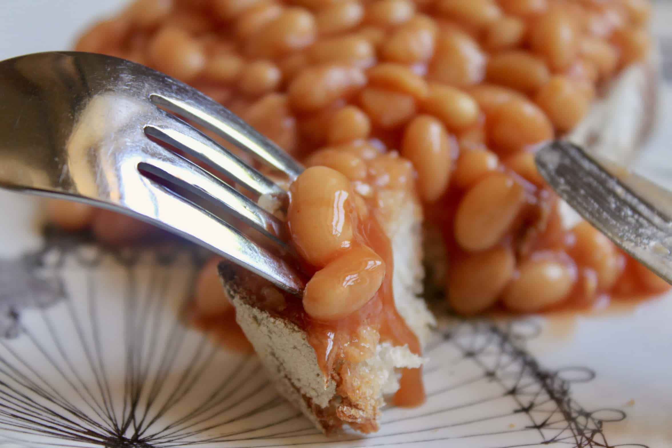 bite of bread with beanz