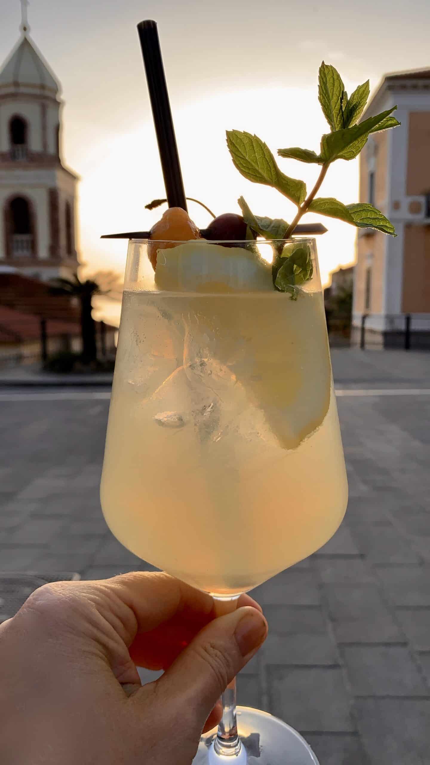 limoncello spritz in Italy