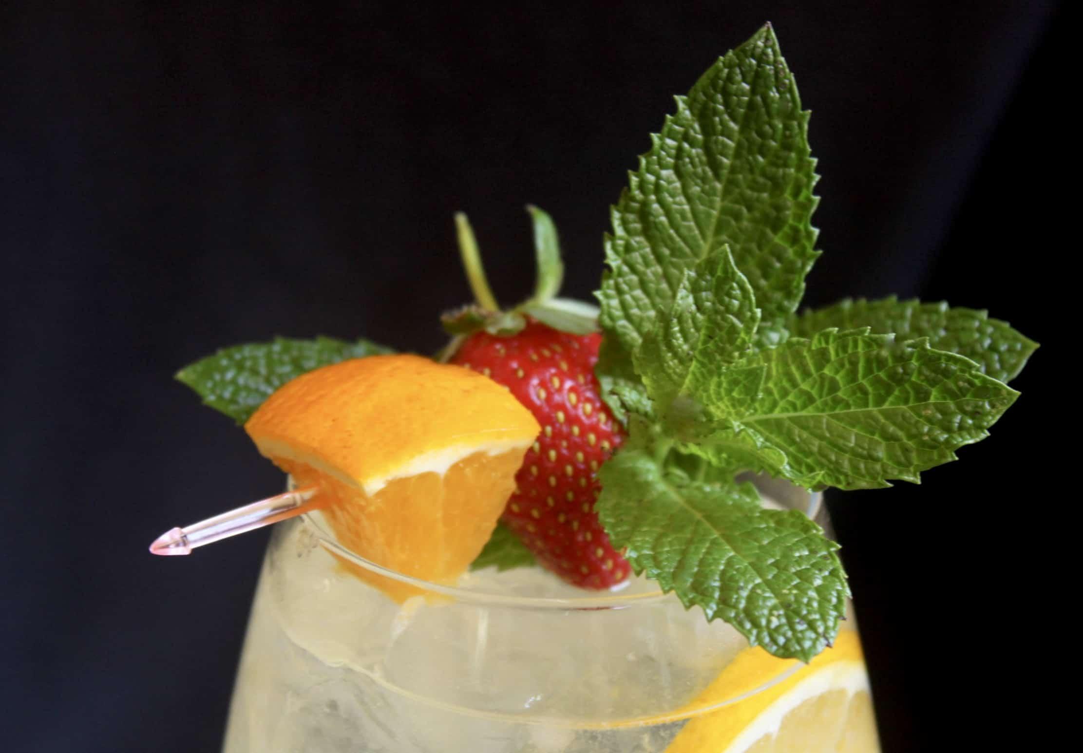 garnish on a limoncello spritz